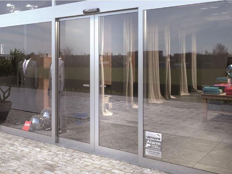 Puertas-local-cambrils-aluminio-vidralum